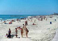 Texas- Galveston Island beach (Photo: Galveston Island Convention & Visitors Bureau)