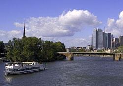 Frankfurt skyline (Photo: Goesta A. C. Ruehl courtesy of Tourismus+Congress GmbH Frankfurt am Main)