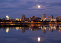 Pennsylvania: Harrisburg Full Moon (Photo: iStockphoto/David Coleman)