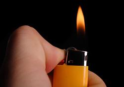 Cigarette lighter in hand (Photo: iStockphoto)