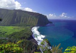 Waipio Valley Overlook, Hawaii (Photo: Hawaii's Big Island Visitor Bureau)