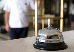 Hotel: Concierge Bell (Photo: Shutterstock/Levent Konuk)