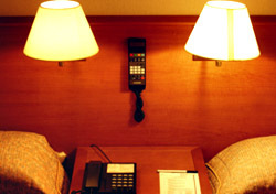 Hotel: Two Beds One Phone (Photo: Thinkstock/John Foxx)