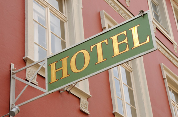 Hotel Sign (Photo: Thinkstock/Hemera)