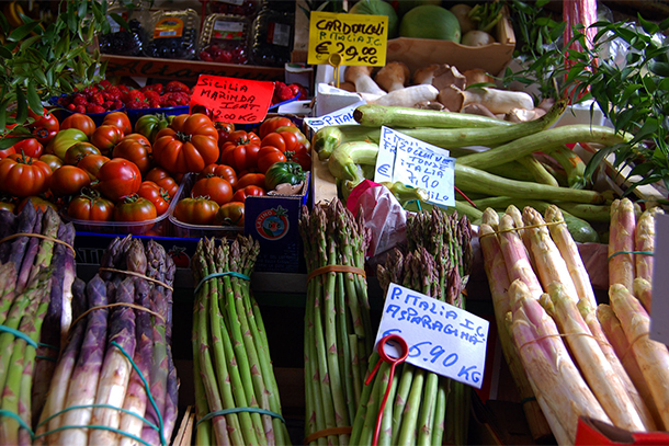 Farmers Market, Italy (Photo: Rick Steves)