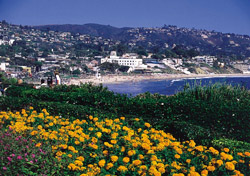 Laguna Beach- View of the hills overlooking Main Beach (Photo: Courtesy of the Laguna Beach Visitors and Conference Bureau)