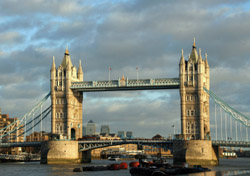 London: Tower Bridge (Photo: iStockphoto/jan kranendonk)