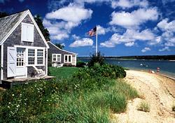 Martha's Vineyard beachfront house (Photo: Robert Schellhammer)