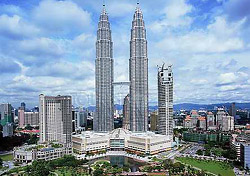 The Petronas Twin Towers, Kuala Lumpur, Malaysia (Photo: Tourism Malaysia)