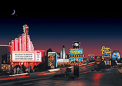 Branson strip (Photo: Branson/Lakes Area Chamber of Commerce and Convention and Visitors Bureau)