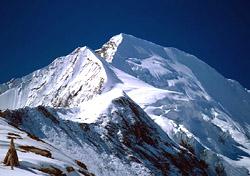 Nepal trek (Photo: Steve Razzetti)