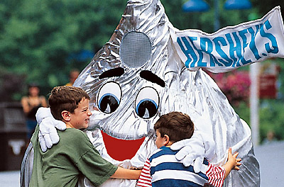 Hugging a Kiss in Hersheypark, Pennslyvannia
