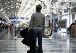Passenger Airport Frustrated Overwhelmed (Photo:iStockphoto/Dystortia)