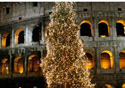 Rome Coliseum with a Xmas Tree (Photo: Thinkstock/Hemera)