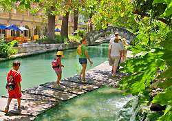 The River Walk, San Antonio (Photo: SACVB/Al Rendon)