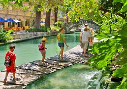 The River Walk, San Antonio (Photo: SACVB/Al Rendon)