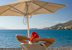 Santa at Beach (Photo: Thinkstock/iStockphoto)
