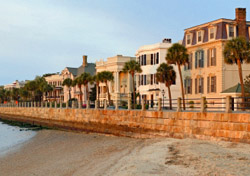 Charleston, South Carolina - Homes by the water (Photo: iStockPhoto/S. Greg Panosian