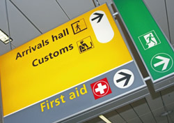 Customs sign at the airport (Photo: iStockphoto/Lya Cattel)