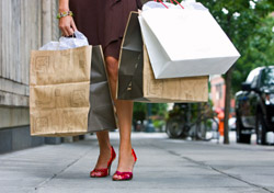 Shopping in the city (Photo: Quavondo Nguyen/iStockphoto)