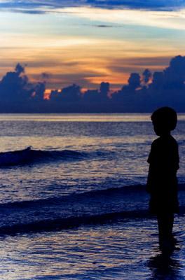 Florida: Siesta Key: Boy on the beach
