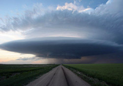 Storm over Field (Photo: Todd Thorn/Storm Chasing Adventure Tours)