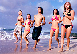 Spring breakers on the beach (Photo: Index Open)