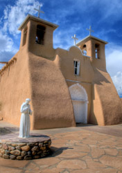 New Mexico: Taos San Francisco De Asis church (Photo:iStockphoto/rbstevens)