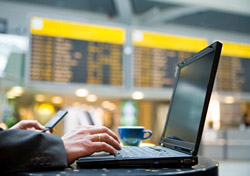 Surfing the Web in the airport (Photo: jibilein, iStockphoto.com)