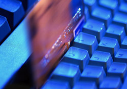 Credit card on keyboard (Photo: Index Open)