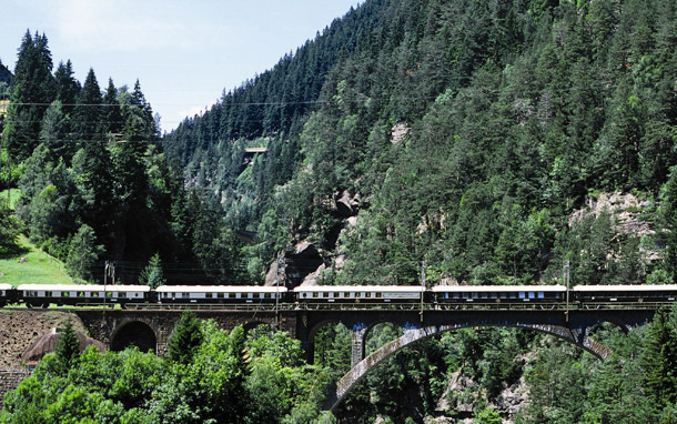 Train: Orient-Express (Photo: Orient-Express Hotels (UK) Ltd./Ron Bambridge)