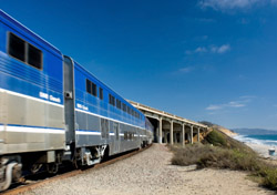 Train riding along the coast (Photo: iStockphoto/Paul Erickson)