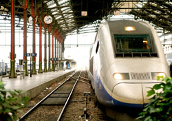 Train in a Paris Station (Photo: iStockphoto/Perry Kroll)