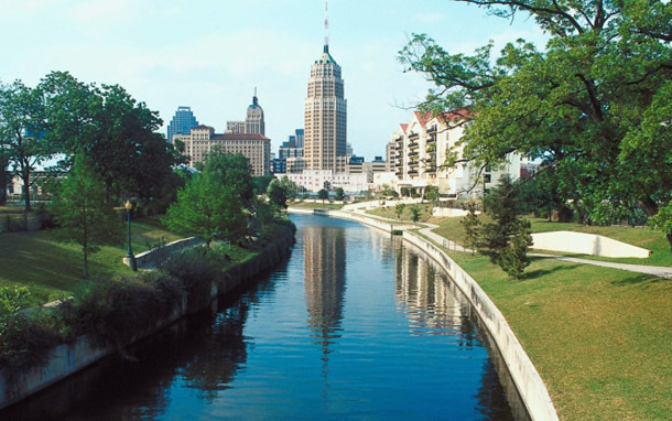 Texas: San Antonio Riverwalk Skyline (Photos: Thinkstock/Jupiterimages)