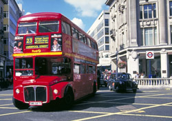 Bus at Oxford Circus, London (Photo: BritainOnView.com)