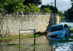 Floods in Oxfordshire, England (Photo: Barry Crossley/iStockphoto.com)