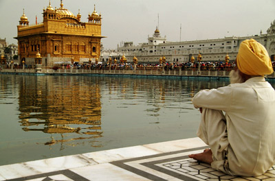 Sikh pilgrim by the Pool of Immortal Nectar